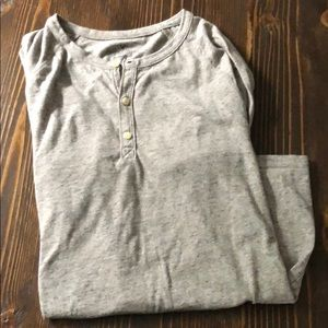 American Eagle Heathered Grey Shirt